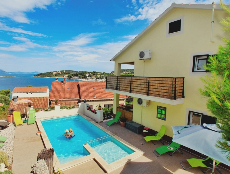 Luxury Apartments Pool.  Korcula Luxury apartment Sunshine with pool Apartments Pool Pearls