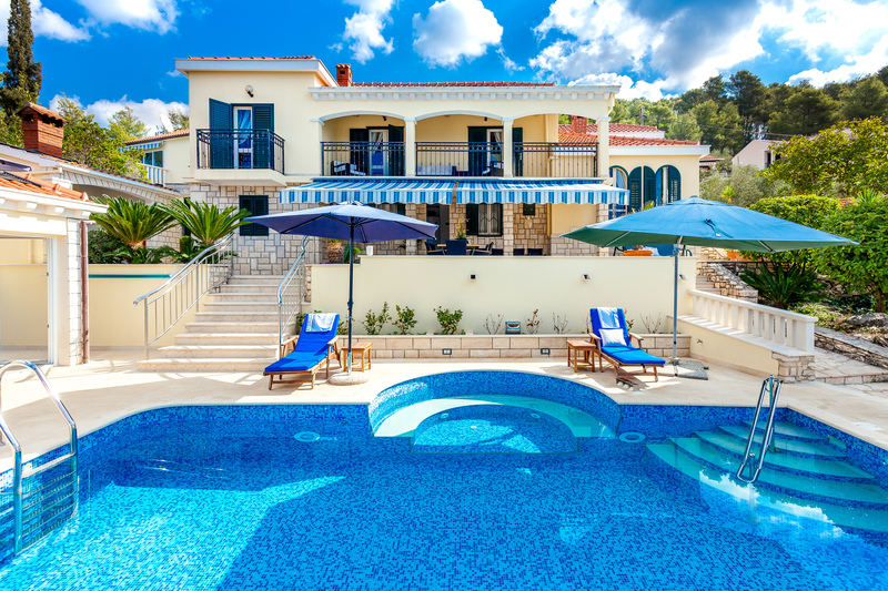 Luxurious Villa Dionysus With Pool ...